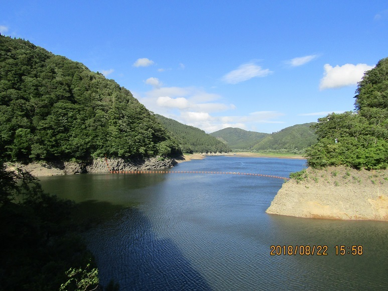 素張里ダム湖