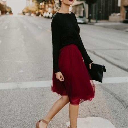 おしゃれ女性トレンドカラー秋冬2018レディースファッションコーデ流行り色人気おすすめカラー流行りコーディネート