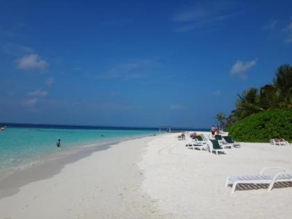 青い空と青い海と白い砂浜