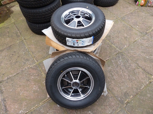 Classic-Mini-BRM-45x10-alloy-wheels-Falken.jpg
