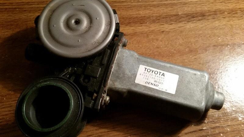 車窓ウィンドウレギュレーター トヨタ Denso 85720d