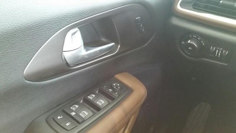 2017新型クライスラーパシフィカリミテッド共通ボタン