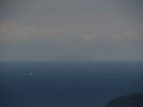 微か見えた沖ノ島