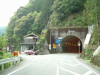 桜谷隧道02