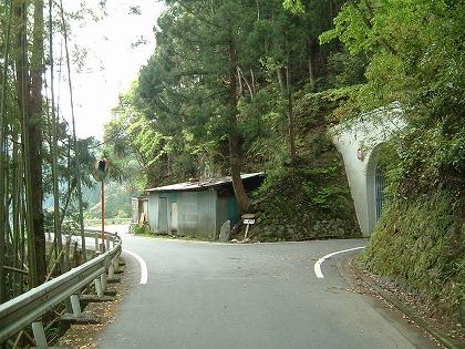 桜谷隧道03