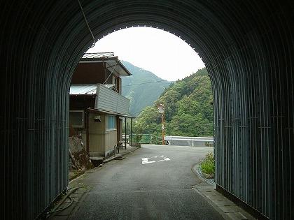 桜谷隧道07