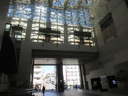 地下鉄上社駅