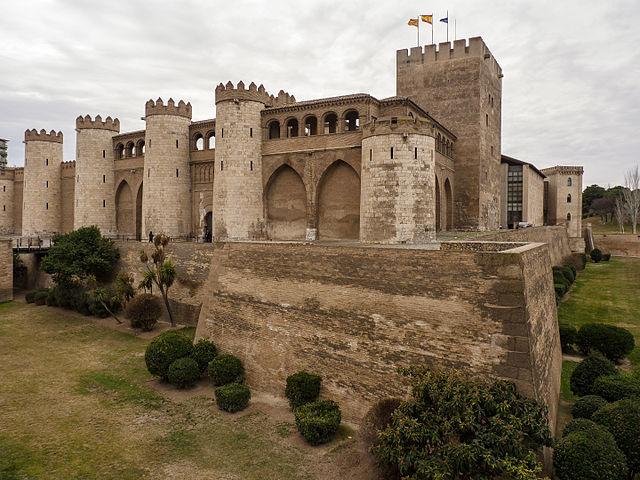 640px-Palacio_de_la_Aljafería-Zaragoza_-_CS_07022010_130950_51351