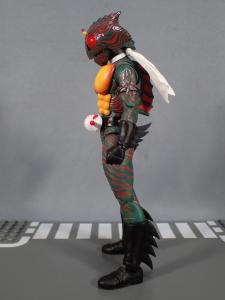 SHフィギュアーツ 仮面ライダーアマゾン (真骨彫製法) (7)