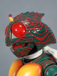 SHフィギュアーツ 仮面ライダーアマゾン (真骨彫製法) (12)