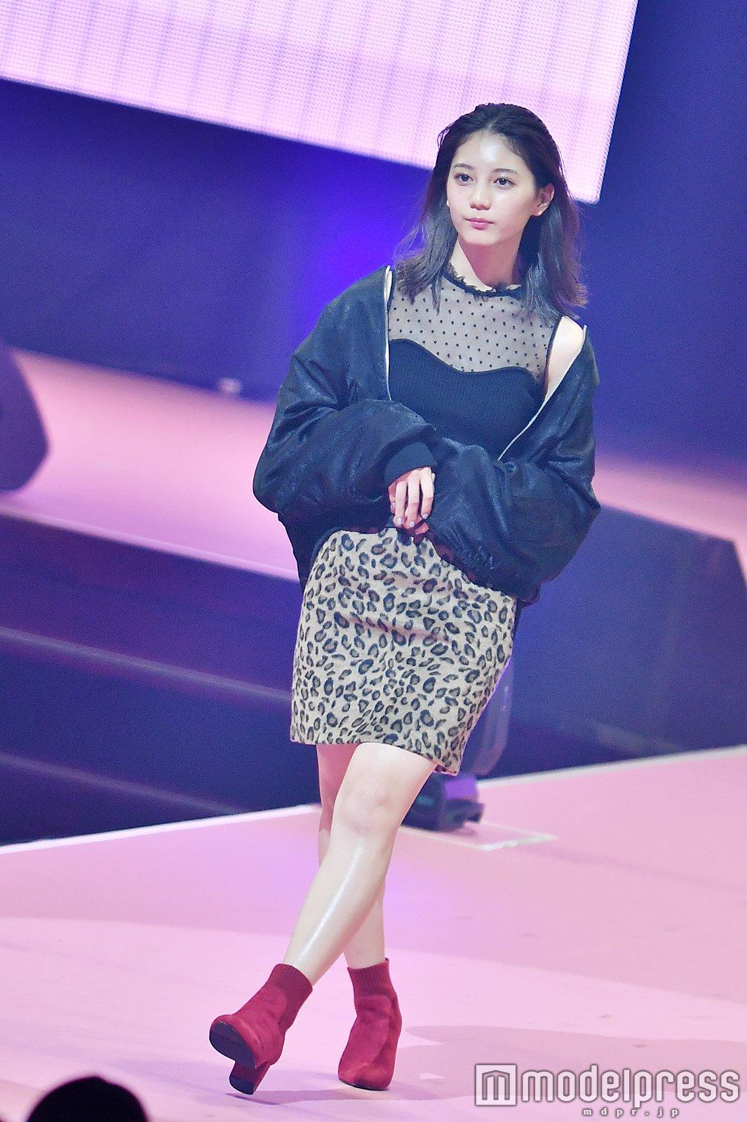 Seventeen夏の学園祭2018 小坂菜緒 モデルプレス2