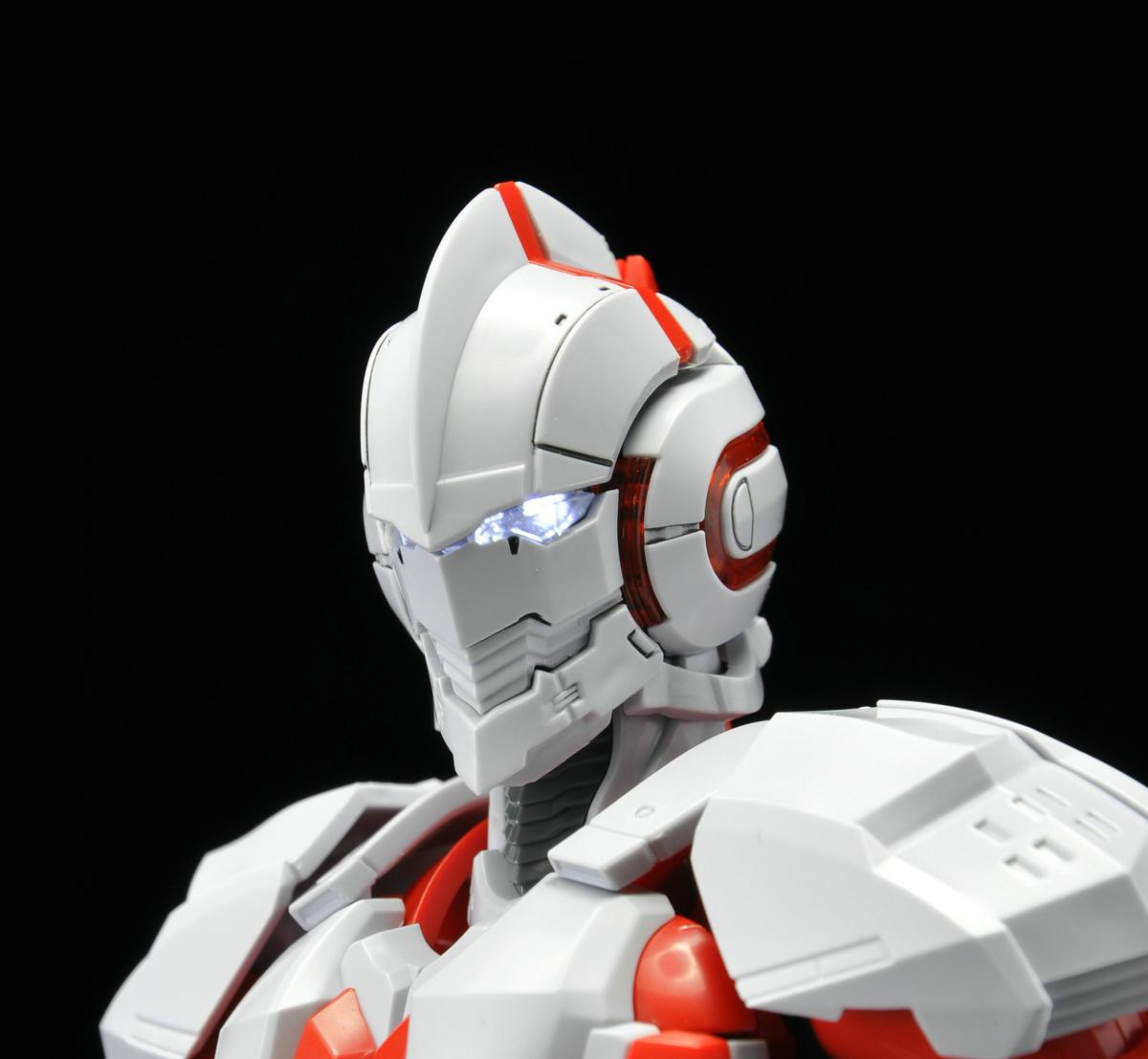 S275_1_ultraman_review2_inask_035.jpg
