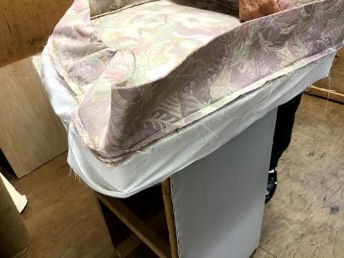 イス張り替え製作中・ミシン編