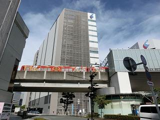 新浜松駅を発車した遠州鉄道の列車
