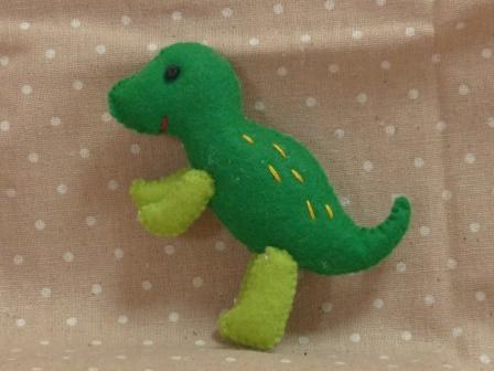 フェルトのマスコット 恐竜 3