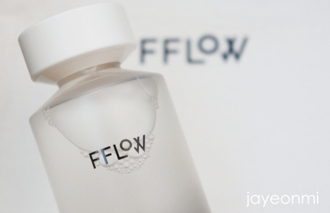 FFLOW_フロウ_オイルス_カーミング_スキン_化粧水_9