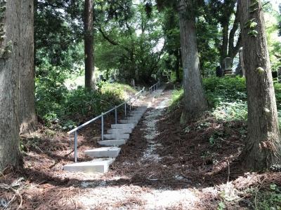 墓地の階段