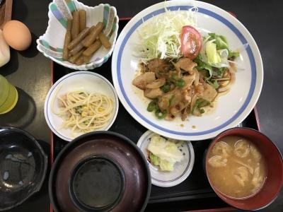 生姜焼き定食(上から)