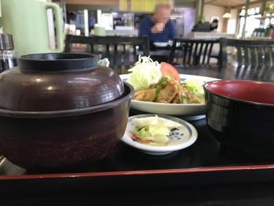 生姜焼き定食(横から)
