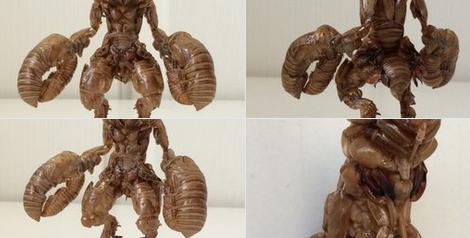 【画像】ツイッター民「セミの抜け殻でバルタン星人作ったったww」