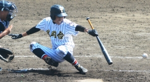 180927-9武岡台1点目スクイズ_035