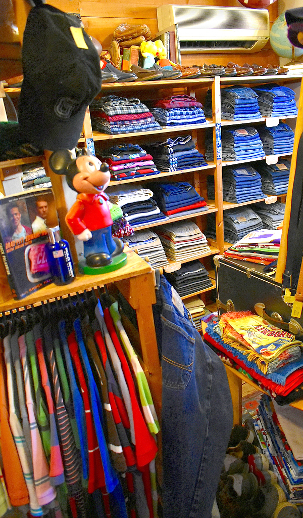 夏物セール中ALL10オフから半額SALE店内画像@古着屋カチカチ020