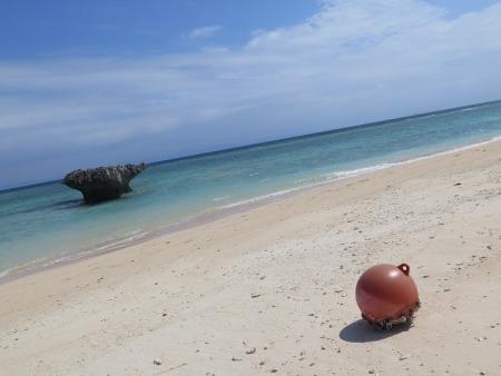 ぺムチ浜と浮き