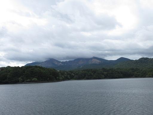 桧原湖観光船より