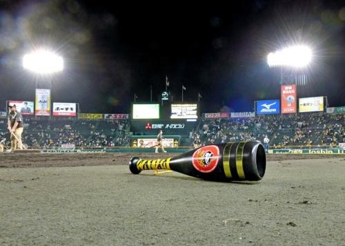 【競馬板】阪神17年ぶりの最下位決定wwwwwww