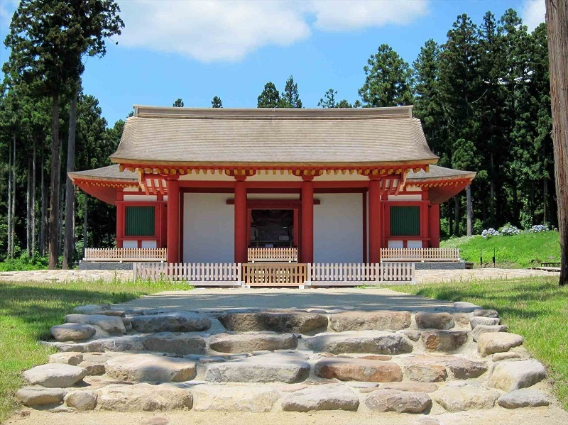 慧日寺跡~再興中門・金堂を望む