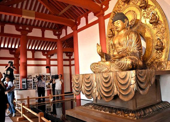 7/30に慧日寺・再興金堂に安置された、復元薬師如来像