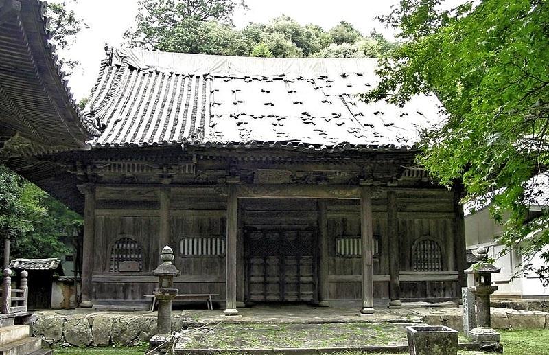 愛媛県大洲市の如法寺・本堂