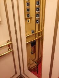 日本橋高島屋 エレベーター 手動2