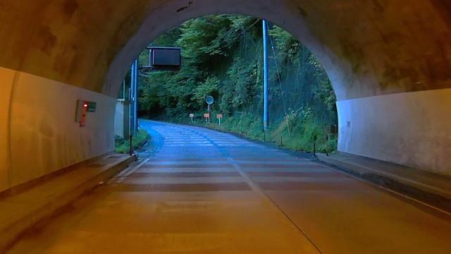滝川トンネル出口1014