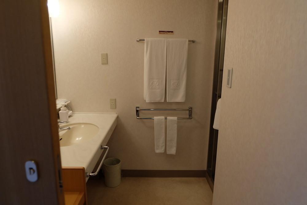 屈斜路プリンスホテル 04 洗面シャワー