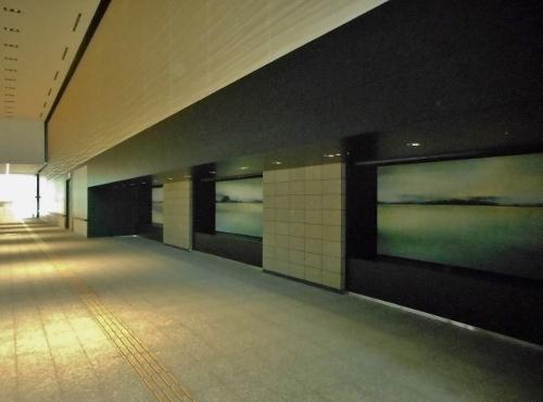創世スクエア パサージュ 壁面