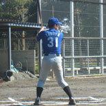 3回表、先頭の安田が安打で出塁