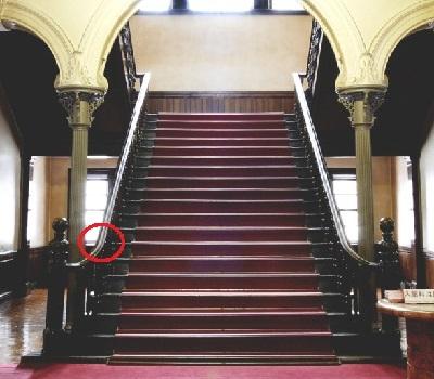 赤れんが階段