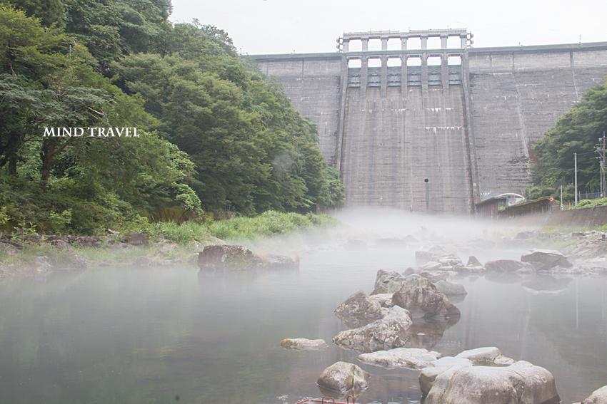 湯原ダム 川霧