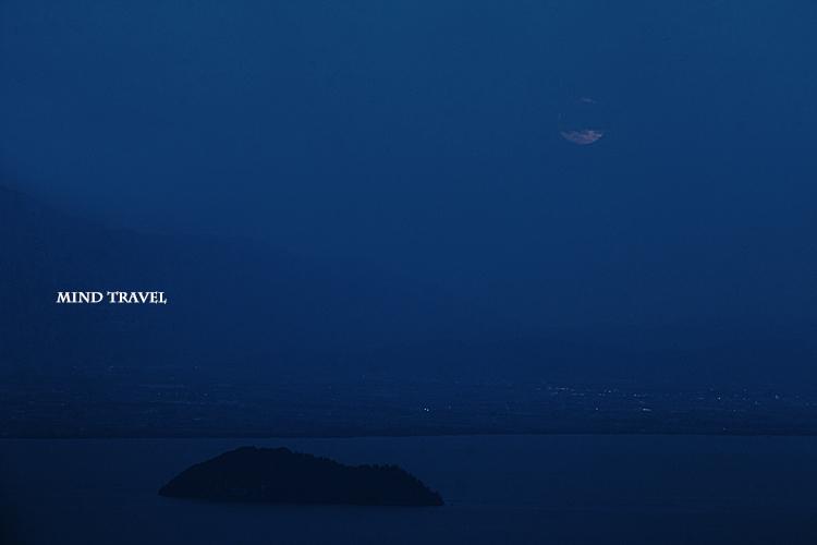 竹生島 月