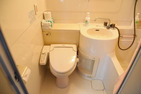 東都文京病院産後ケア病室のバスルーム