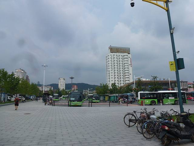 丹東駅バス乗り場
