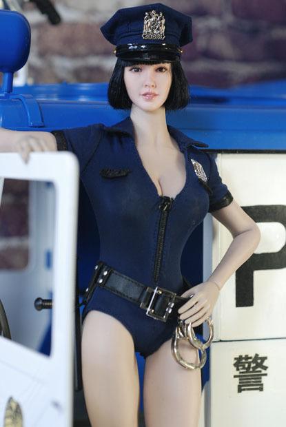 sexy policewoman0119