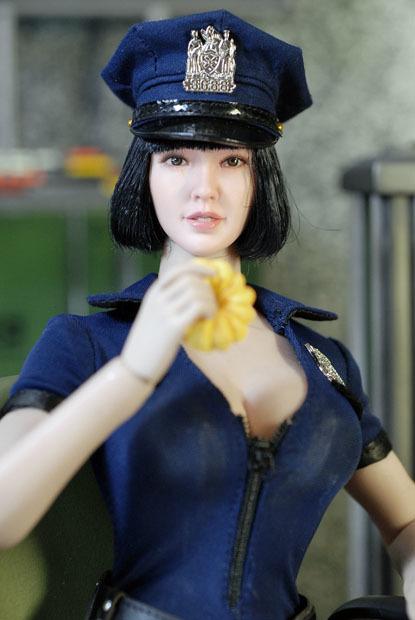 sexy policewoman0124