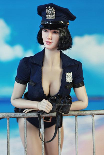 sexy policewoman0204