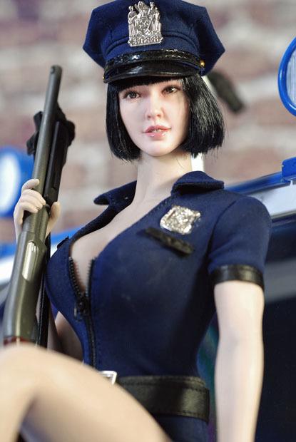 sexy policewoman0216