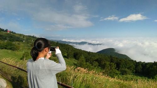 雲海を撮影するぷに子