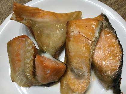 鮭のアラ焼き