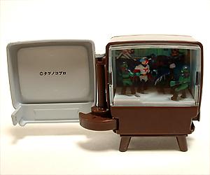 ninisroom-televi-02.jpg