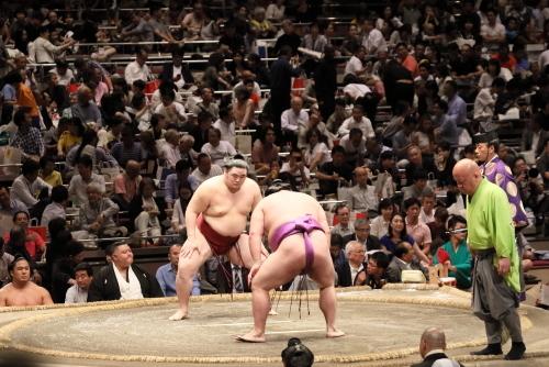 相撲の懸賞金はいくら